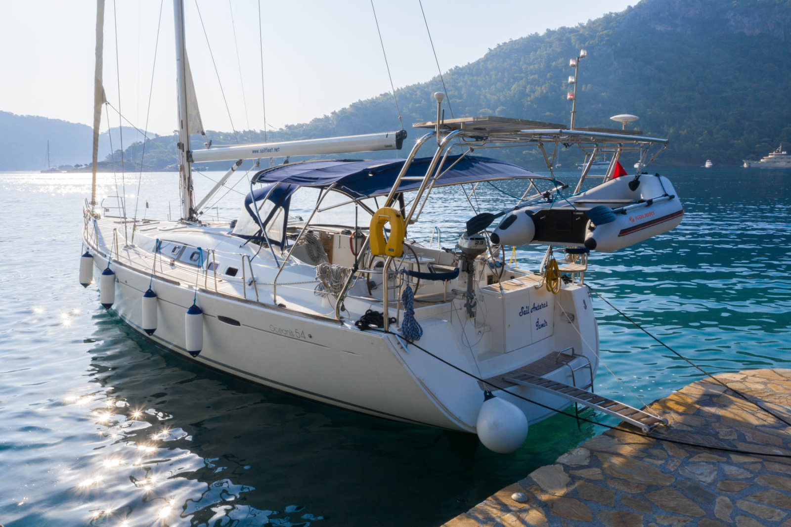 Sailing Anteras 54