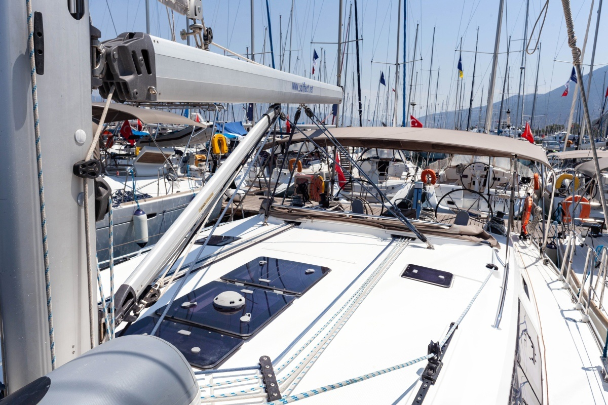 Sailing Vega 46